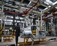 تکلیف خودروسازان به افزایش تولید خودروهای پرتیراژ / خودروهای پیشفروش شده تا پایان مرداد ٩٧ نباید افزایش قیمت داشته باشند